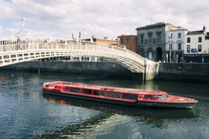 Cruise along the River Liffey